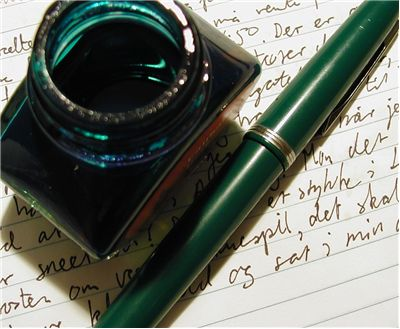 Picture Of Fountain Pen And Ink Bottle