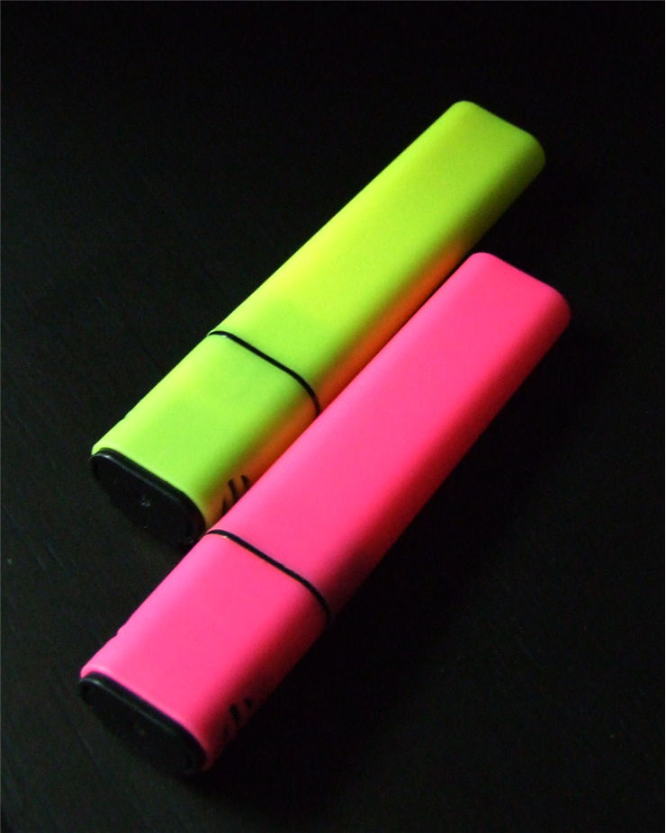 Picture Of Yellow And Pink Highlighters